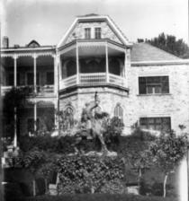 Το βασιλικό ανάκτορο στο Τατόι στην Κηφισιά το 1930